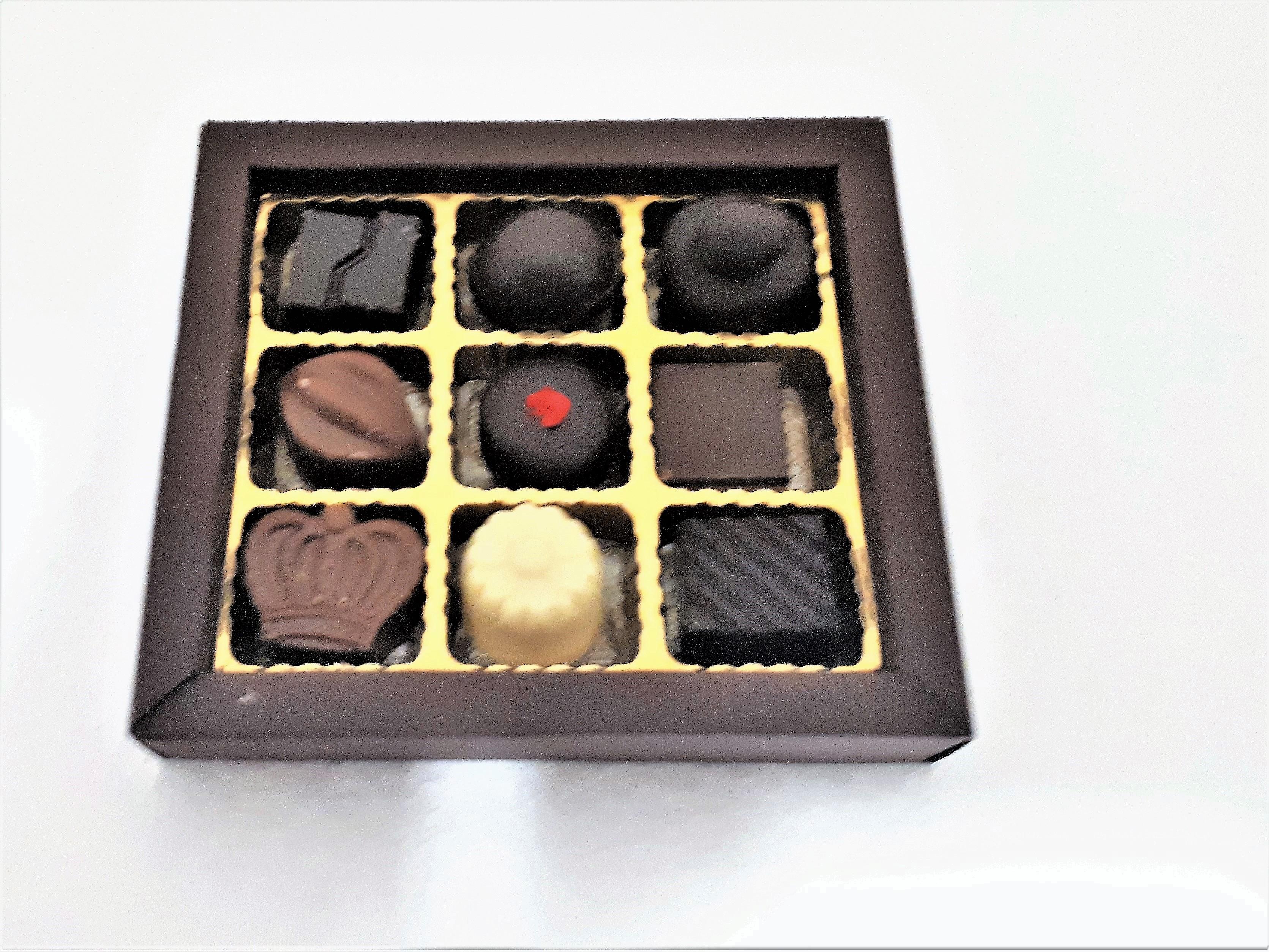 scatola 9 cioccolatini