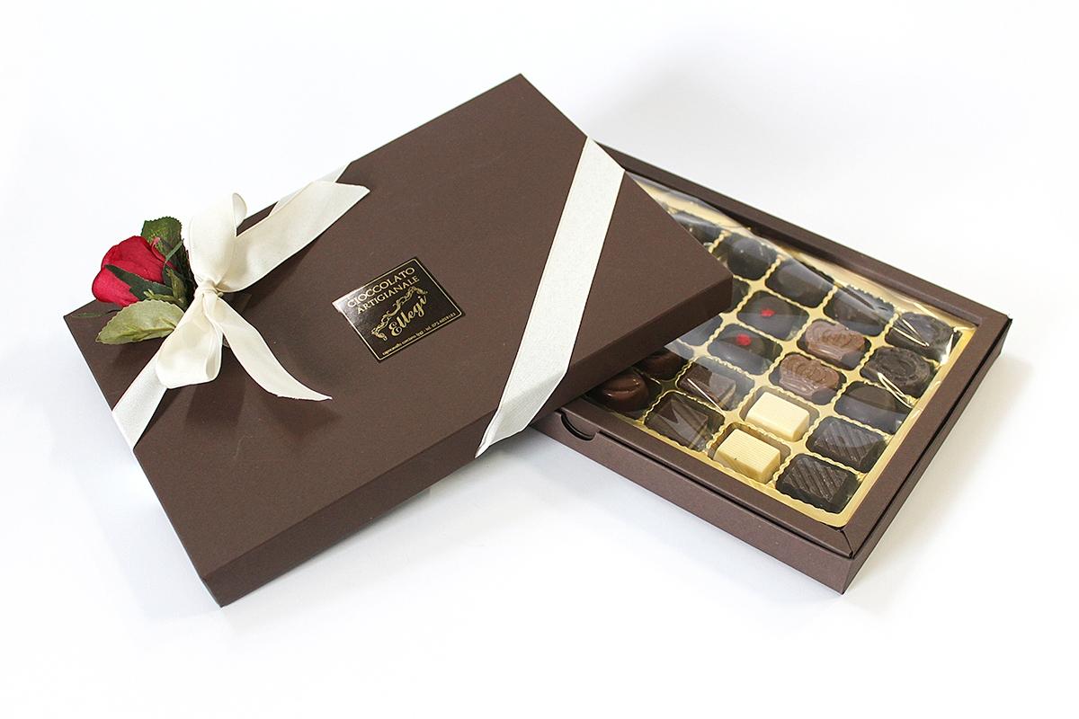 Confezione regalo San Valentino 20 cioccolatini artigianali