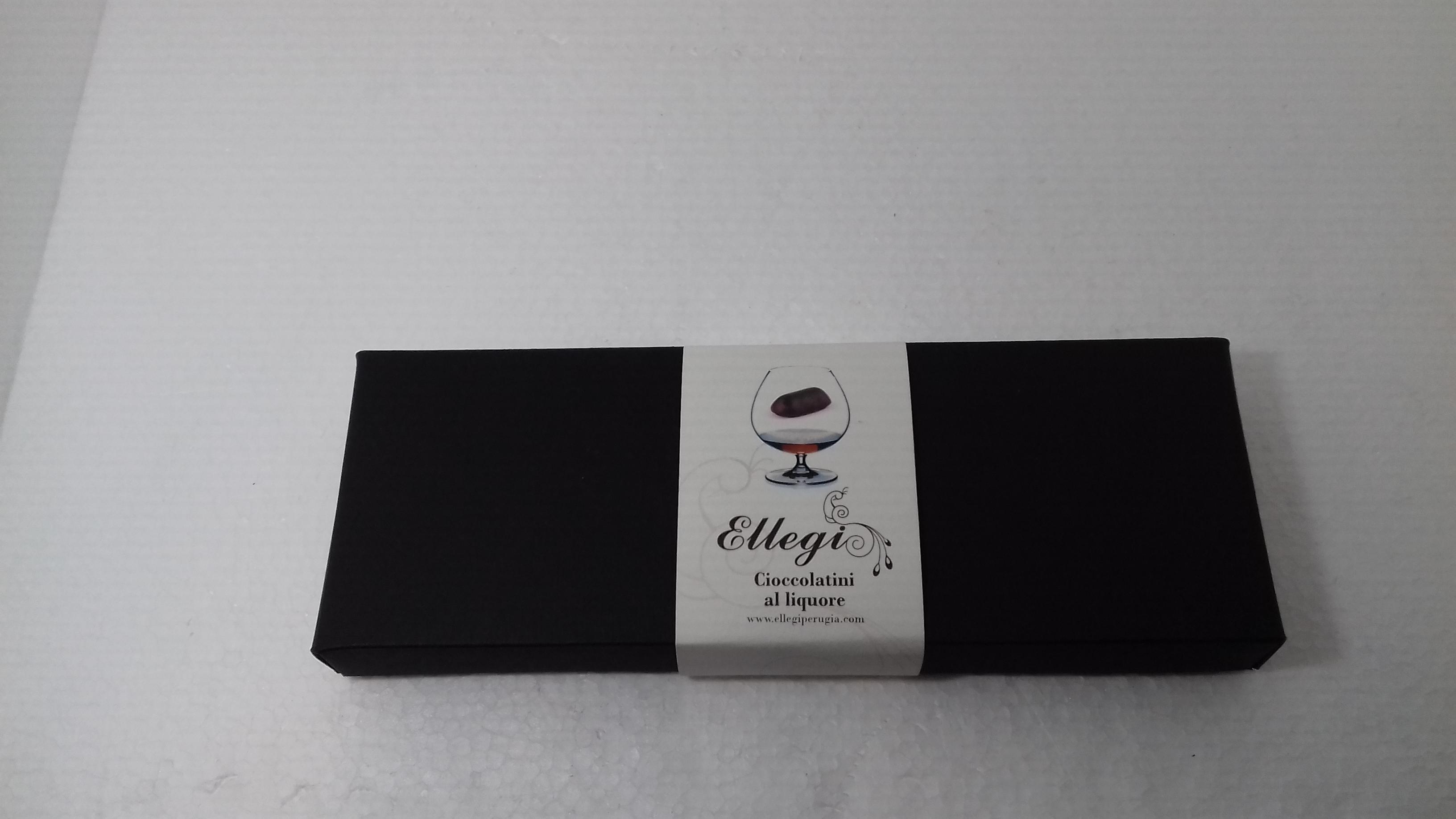 scatola rettangolare cioccolatini al liquore media