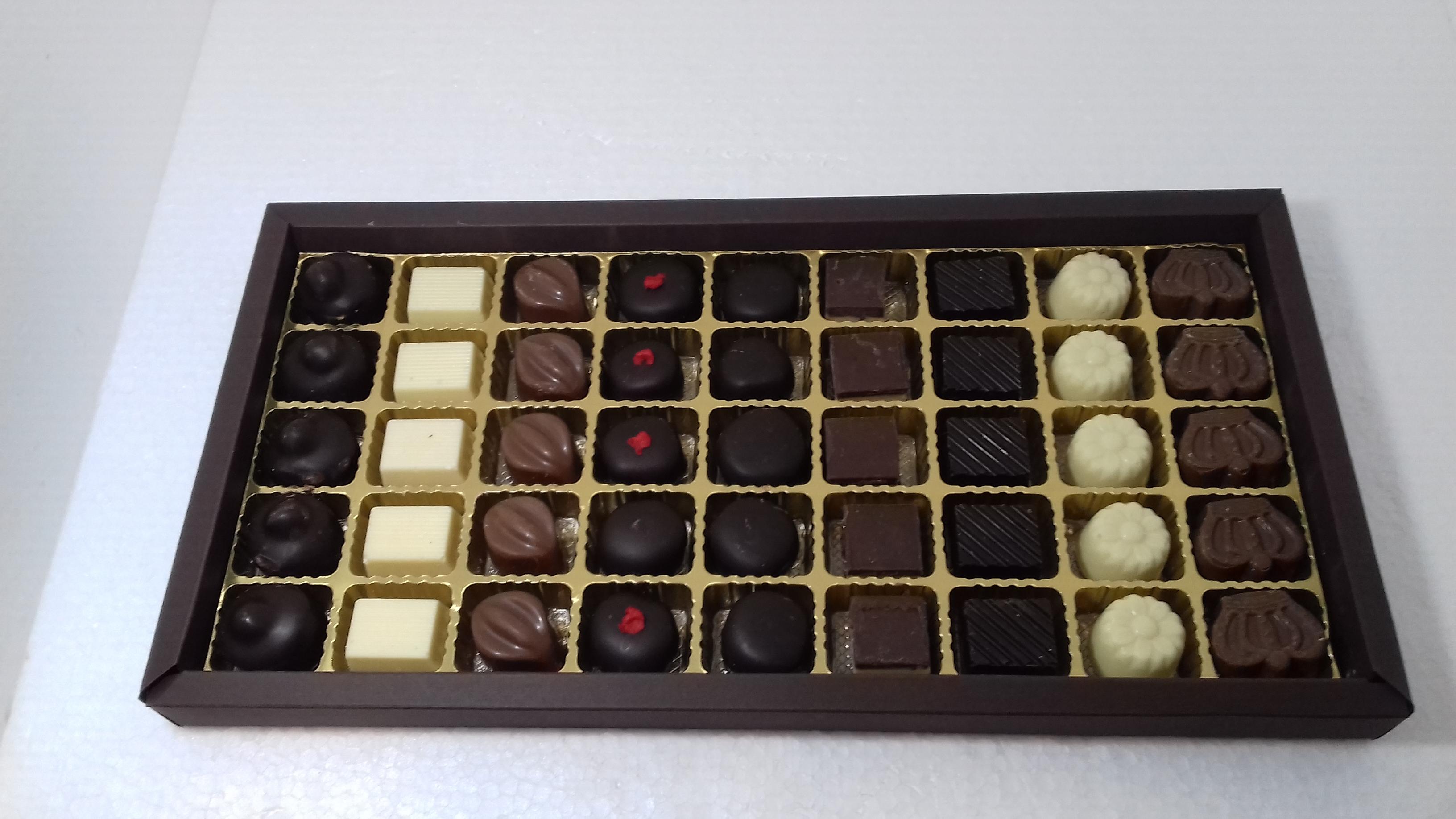 scatola rettangolare 45 cioccolatini
