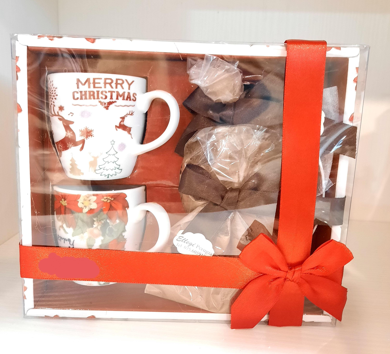 Tazzine natalizie con preparato per cioccolata calda