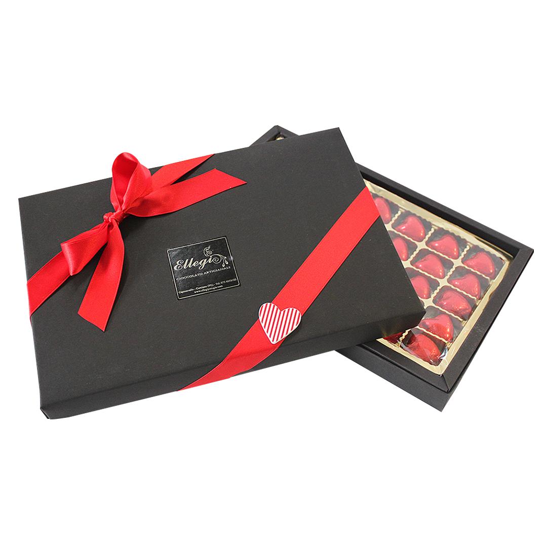 Confezione con 20 cuori al cioccolato artigianale per San Valentino