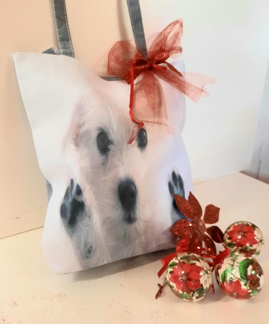 Borsa cane con all interno prodotti al cioccolato